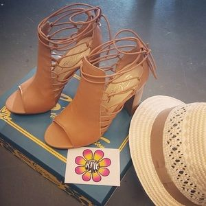 Sbicca shoes New in Box pictures of all shoes sold